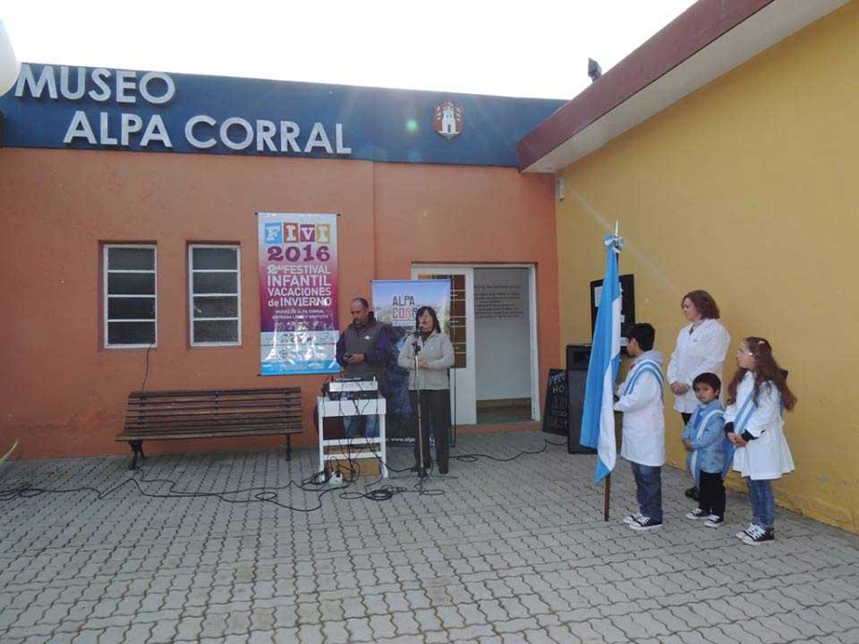 AGRADECEN-A-LA-INTENDENTA-SU-COLABORACIÓN-CON-EL-MUSEO-LOCAL-1